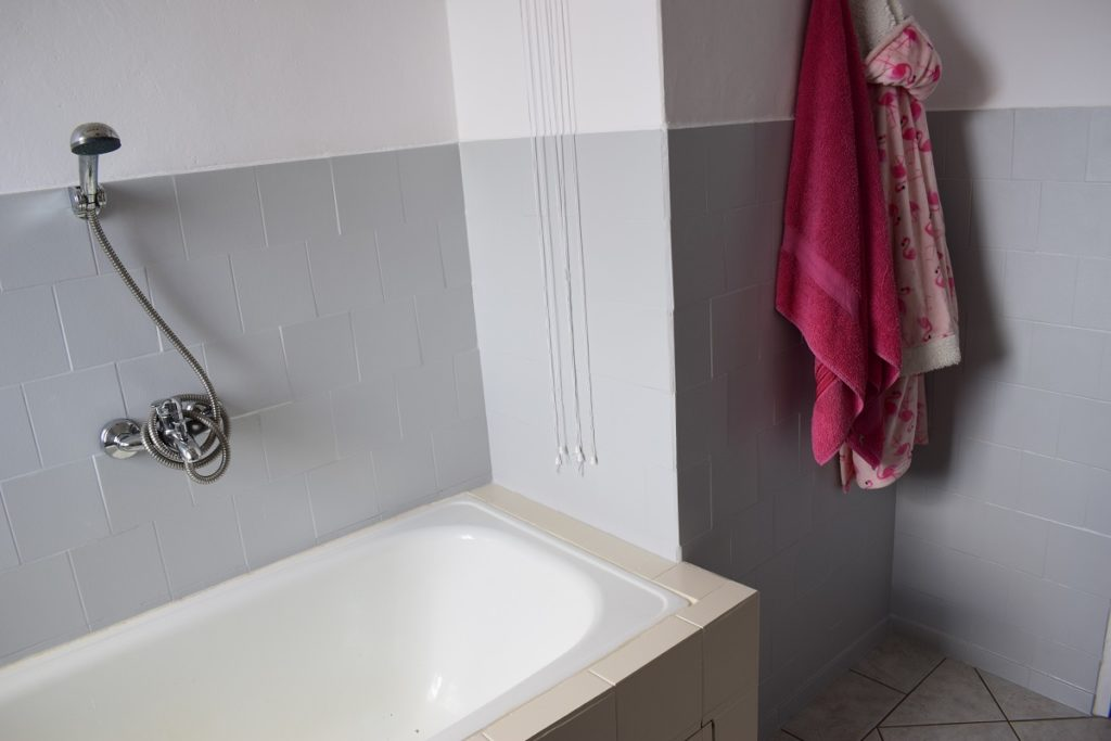 łazienka po remoncie farba v33